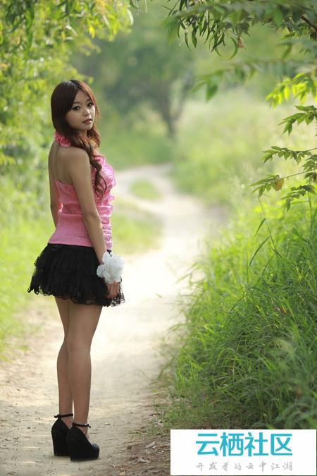 Photoshop打造阳光下的暖色深秋树林人物图片-photoshop暖色调